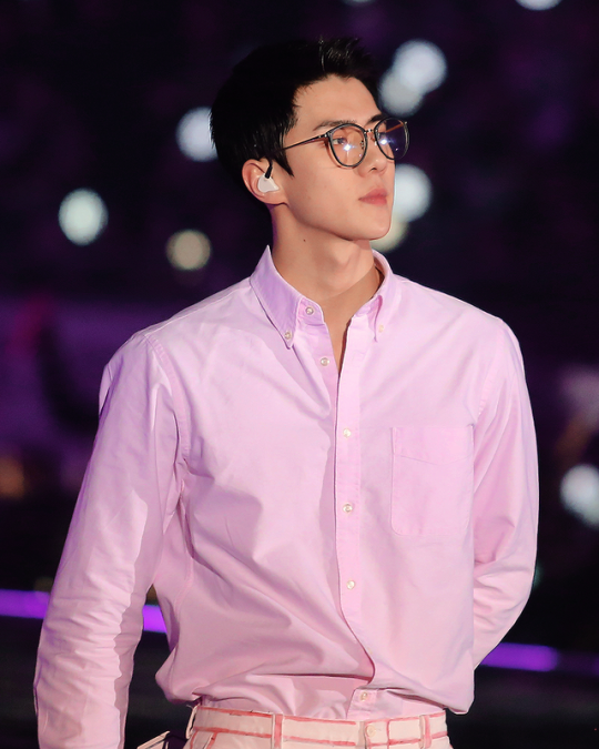 Pin By On Oh Sehun Exo In 2019 Pinterest Exo Sehun And
