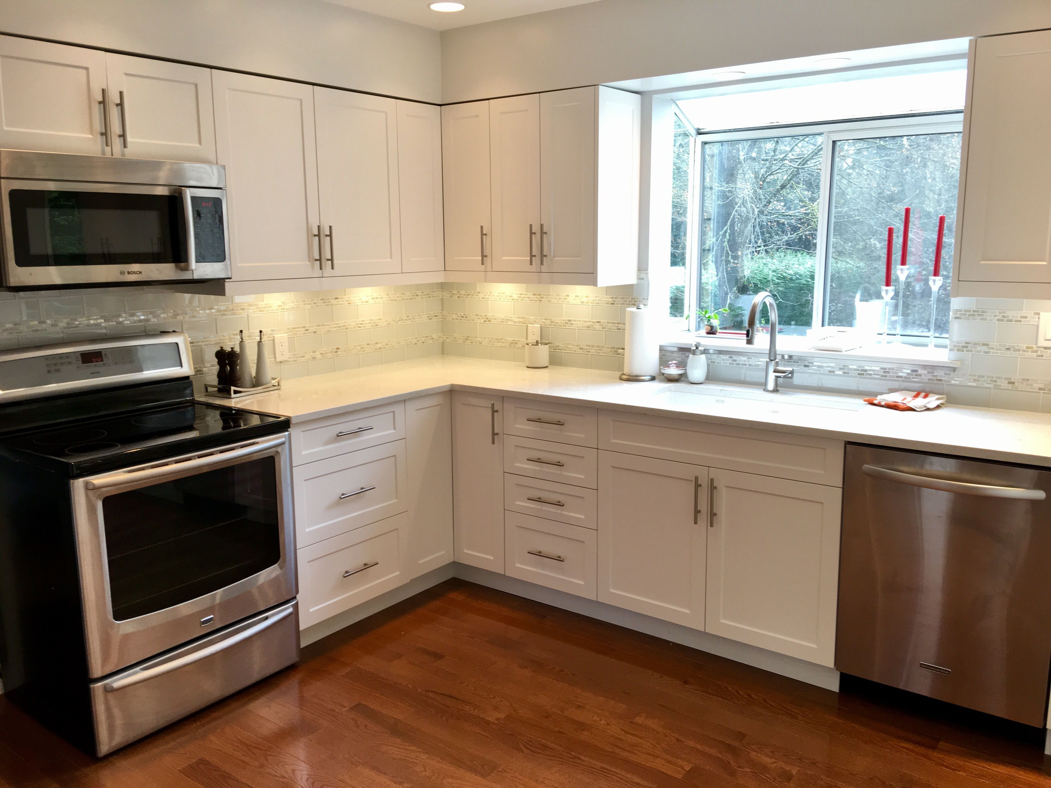 Under Cabinet Lighting Valence For Led Dals Pucks Added White Shaker Cabinets Kitchen Layout 10x10 Kitchen Home Depot Kitchen