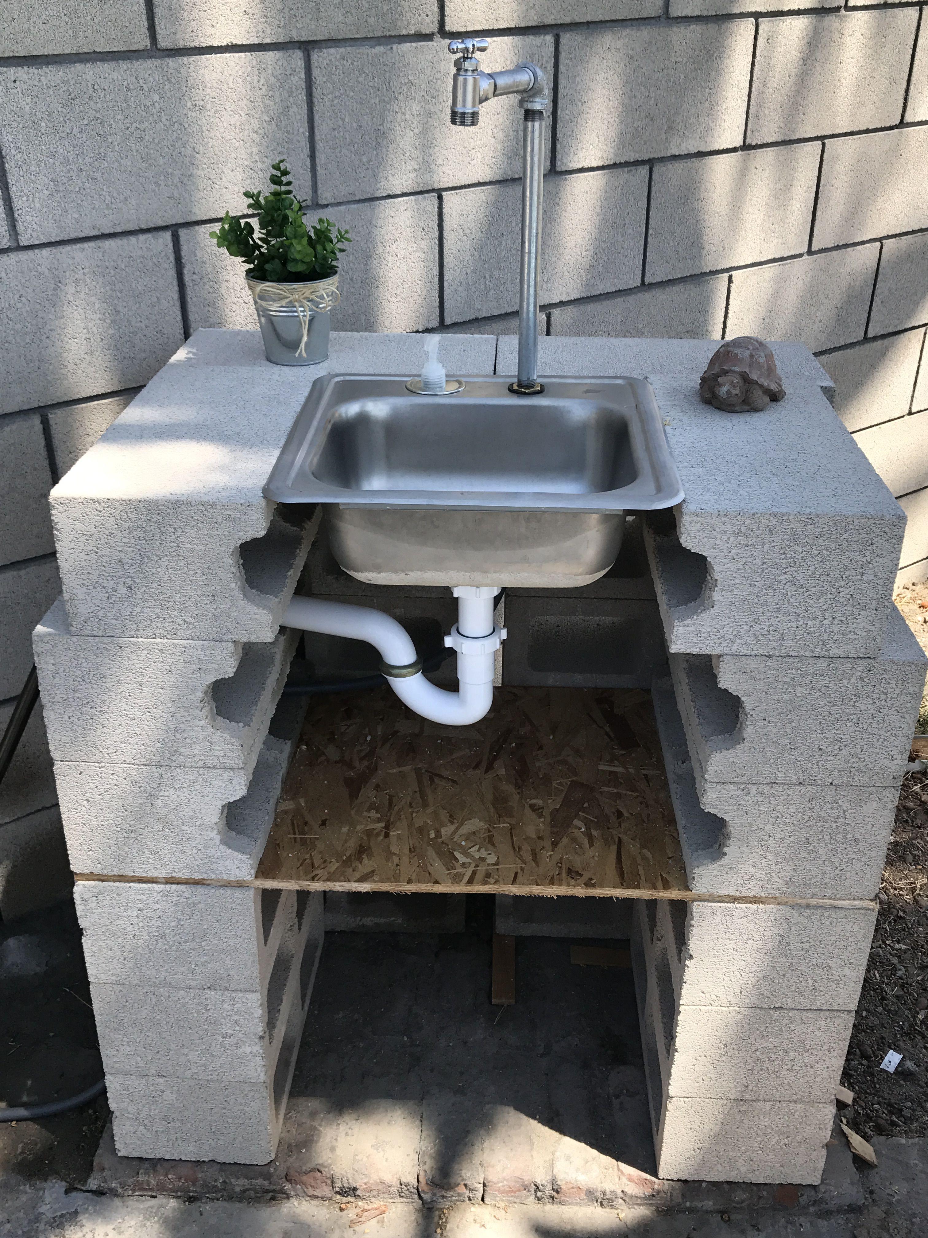 Cinderblock Diy Outdoor Sink Backyard Outdoor Sinks Outdoor Kitchen Sink
