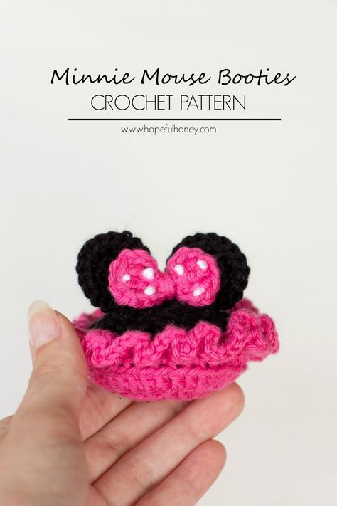Minnie Mouse Inspired Baby Booties Crochet Pattern | Zapatos de ...