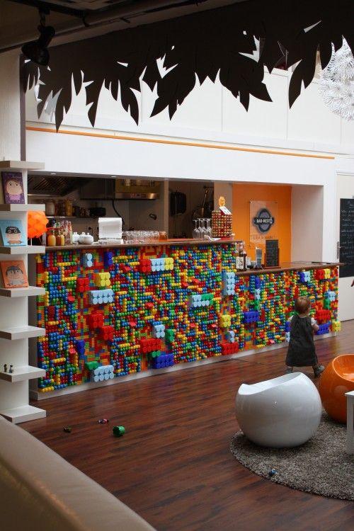 comptoir lego chez espace m mes lille retail concept stores pinterest coiffures. Black Bedroom Furniture Sets. Home Design Ideas