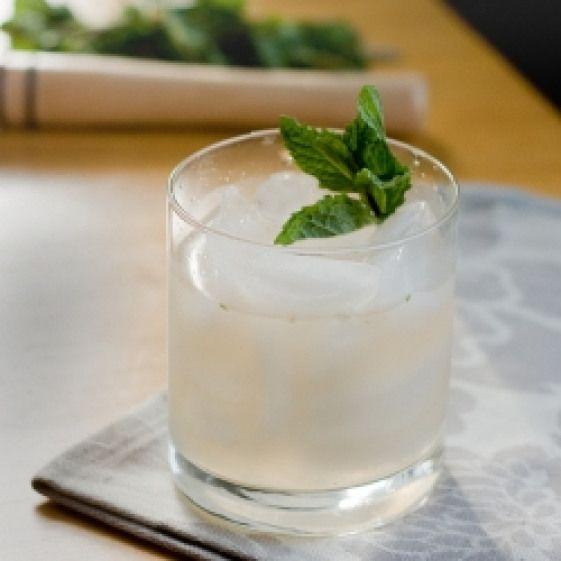 Grapefruit Vodka Sour. Grapefruit Vodka Sour. #drinks
