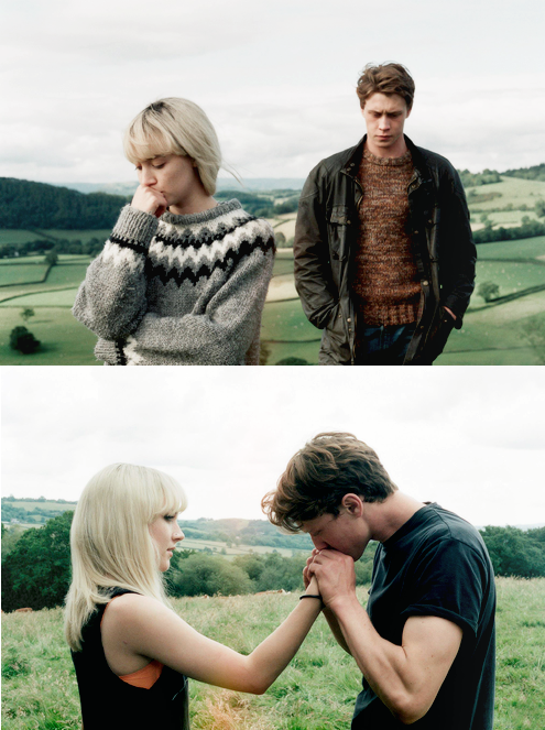 Saoirse Ronan and George MacKay in How I Live Now