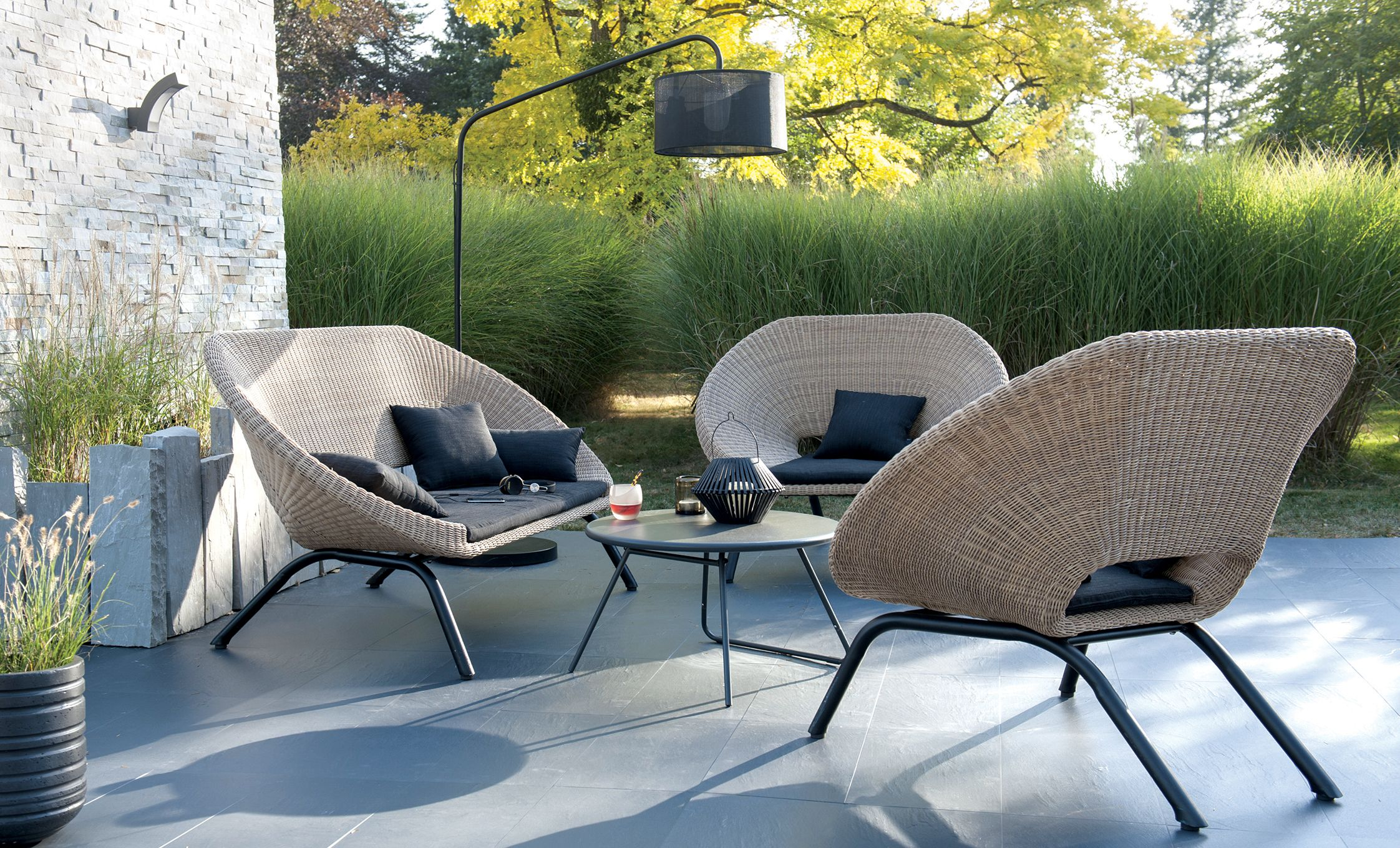 Loa Is An Outdoor Furniture Set Which Has Been Designed To Offer