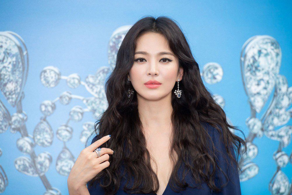 Song Hye-kyo uploads first instagram post since divorce