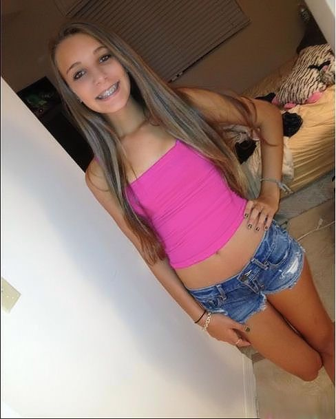 Webcam Chat Rooms Hot Teen Girl Repost If You Think Shes A Cute Babe