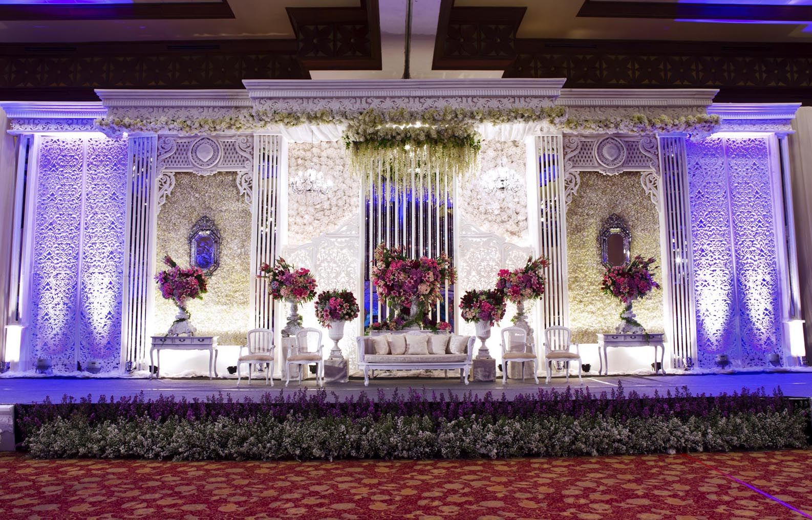 Mawarprada dekorasi pernikahan pelaminan wedding decoration mawarprada dekorasi pernikahan pelaminan wedding decoration romantic purple junglespirit