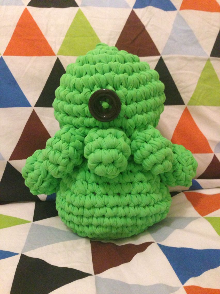 Monstruito realizado en trapillo de licra verde! #crochet