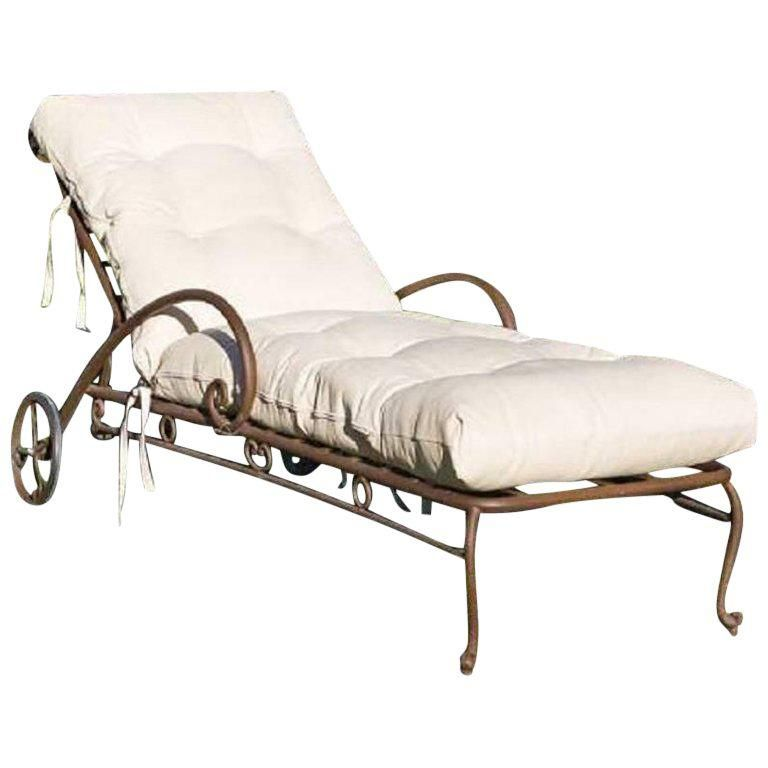 Vintage French Style Wrought Iron Chaise Longue With Cushion Chaise Chaise Longue Cushions For Sale
