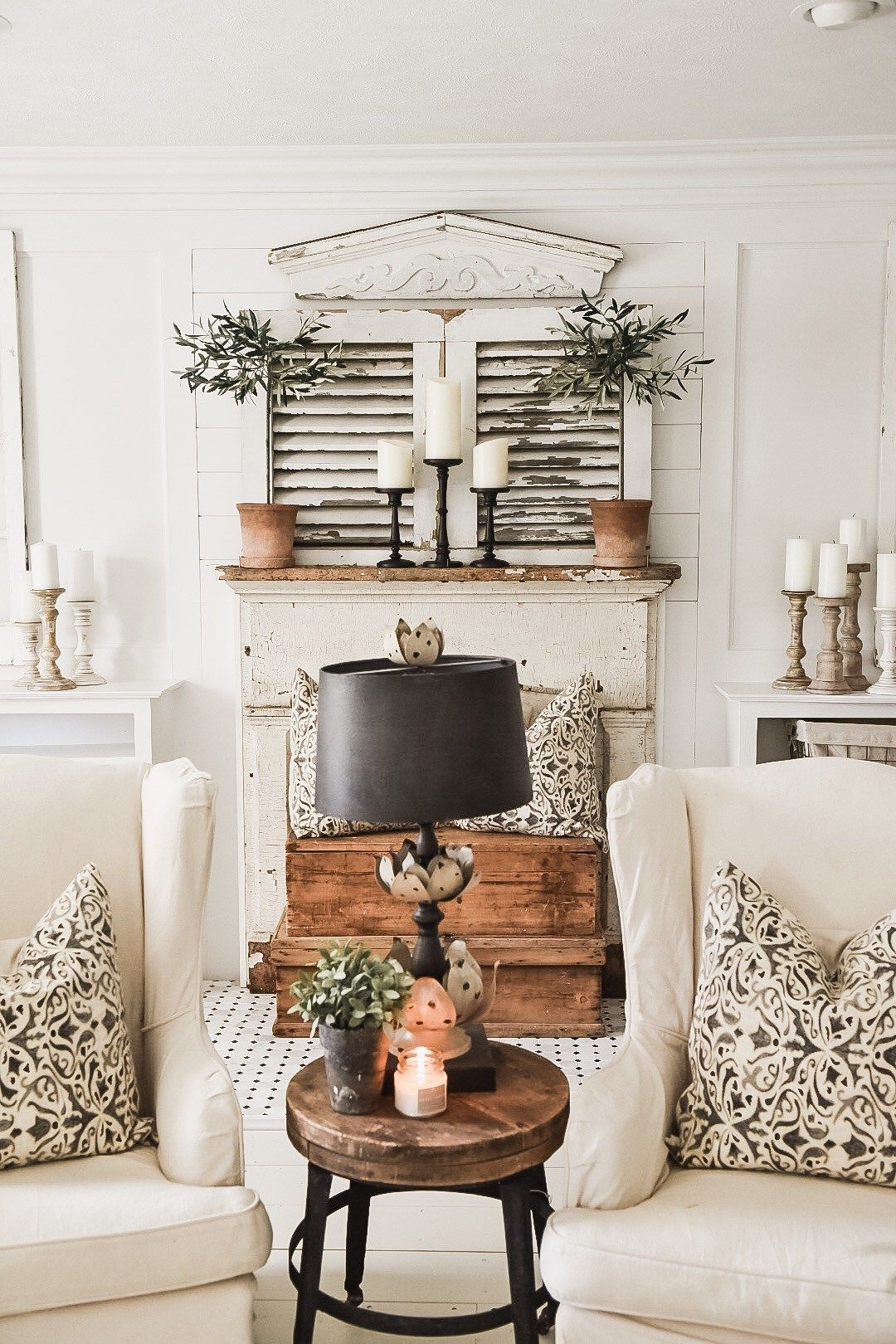 Photo of Four Simple Ways To Style A Mantel