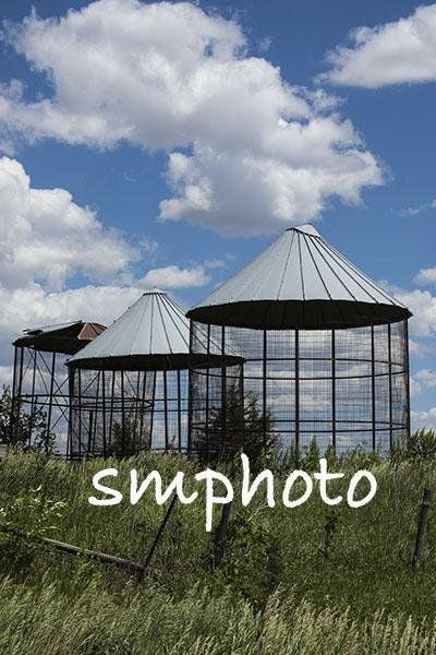 Vintage Wire Corn Crib site photo | Outdoor structures ...