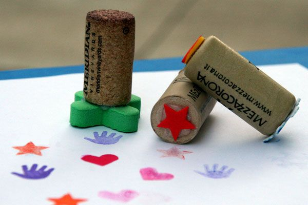 Wine cork crafts for kids - simple and children can create cards, wrapping paper, etc...