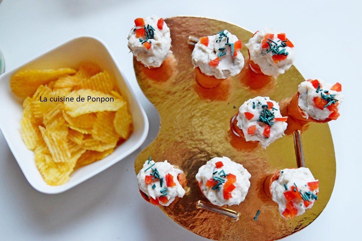 Amuse bouche mini cône tomate garni de salade de maquereau - La cuisine de Ponpon: rapide et facile! #amusebouchefacilerapide Amuse bouche mini cône tomate garni de salade de maquereau #amusebouchefacile