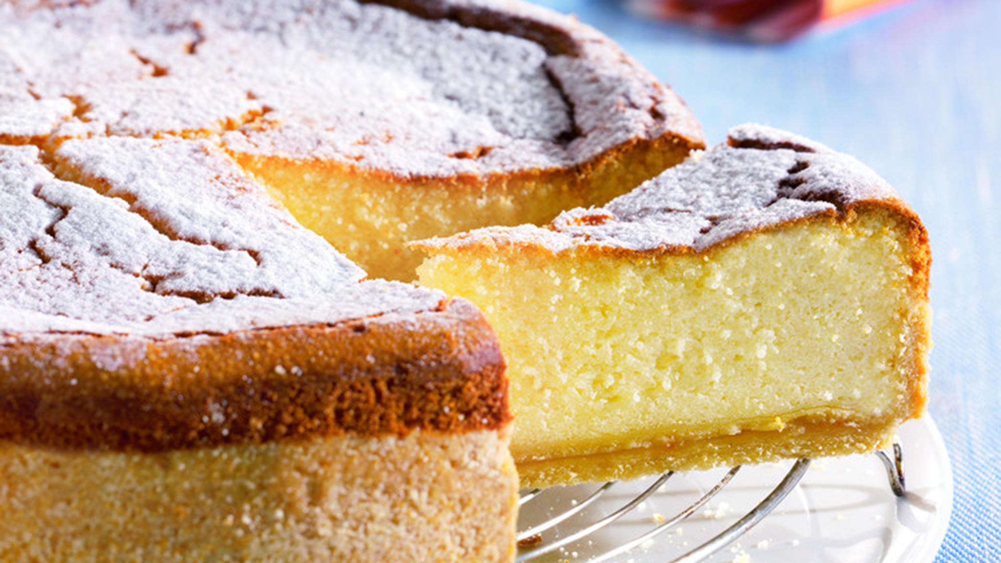 Grieß-Käsekuchen | Rezept | Fotostudio, Käsekuchen und Essen und ...