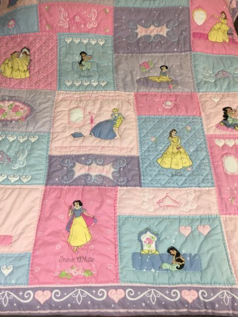 Disney Princesses, Belle, Cinderella, Jasmine, Snow White Quilted ... : disney princess quilt - Adamdwight.com