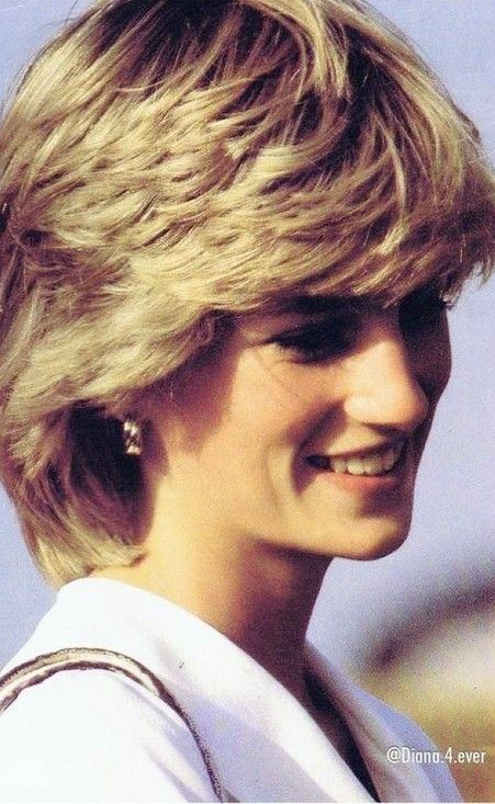 Princess Diana Looked So Pretty In This Picture Princess Diana Hair Princess Diana Family Diana