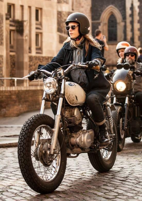 Pin von Uli Berdelmann auf Moto | Cafe racer mädchen