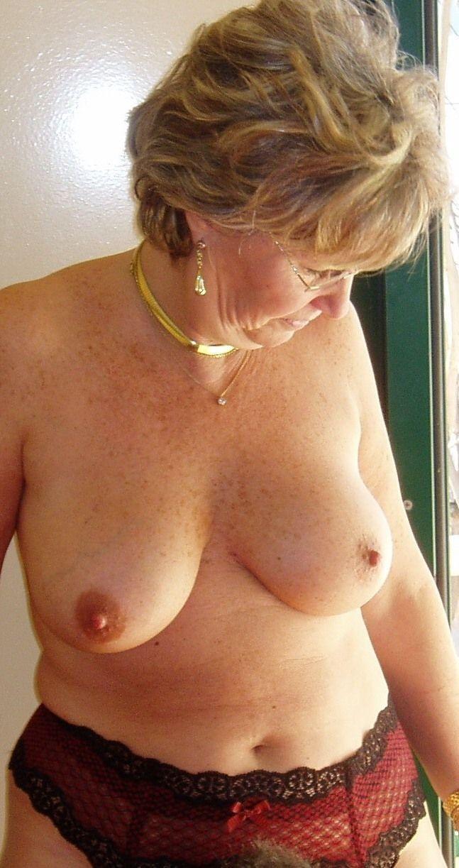 Nitro women nude greek