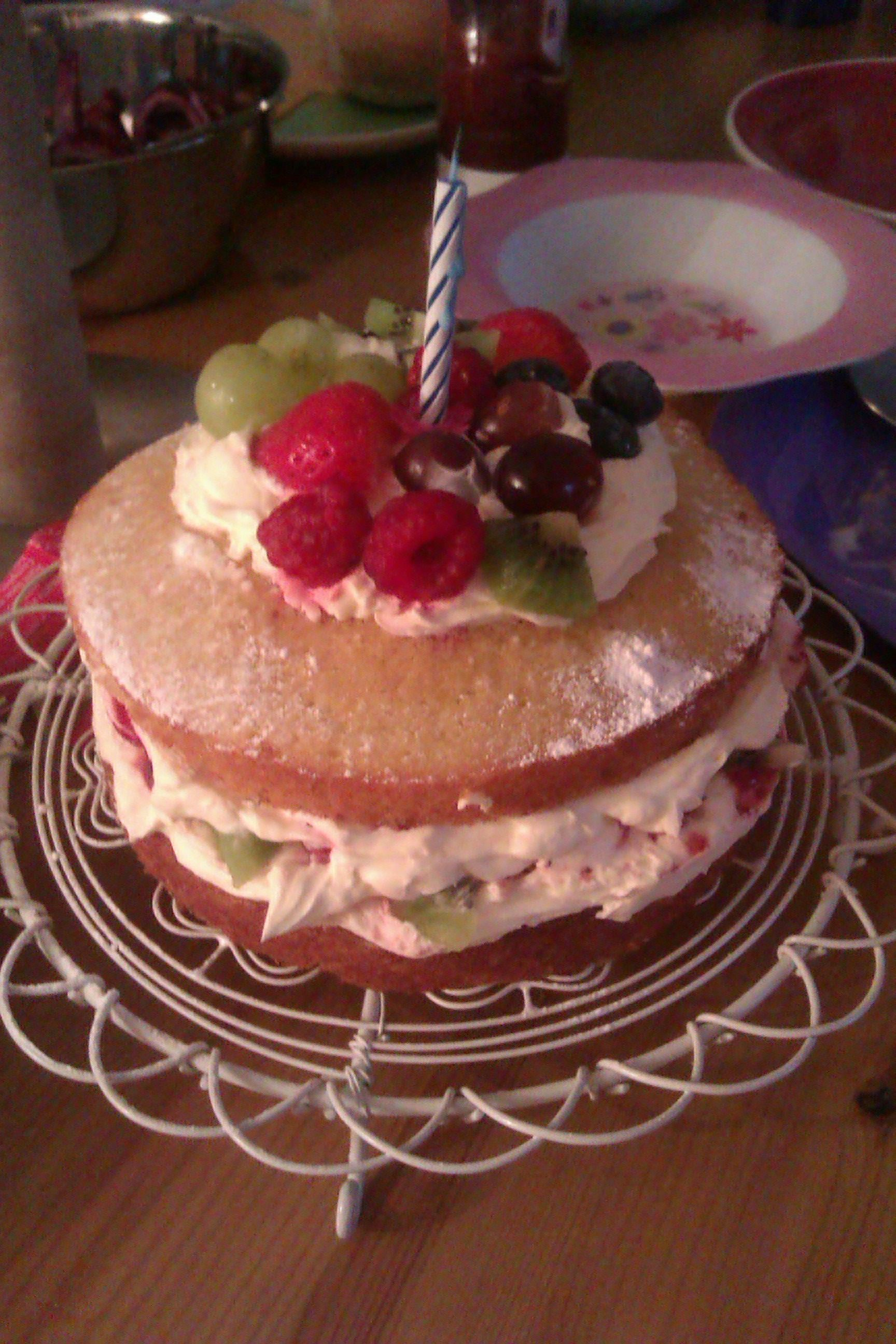 Birthday cake Gorgeous sponge cake filled with fresh cream and