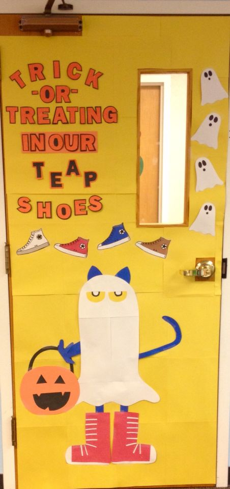 Classroom decoration. Classroom door. Preschool. Pete the