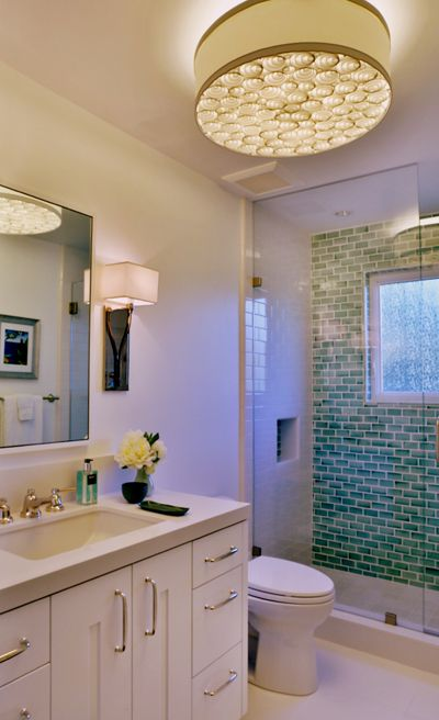 The Best Lighting For Applying Makeup With Images Best Bathroom Lighting Bathroom Lighting Light Makeup