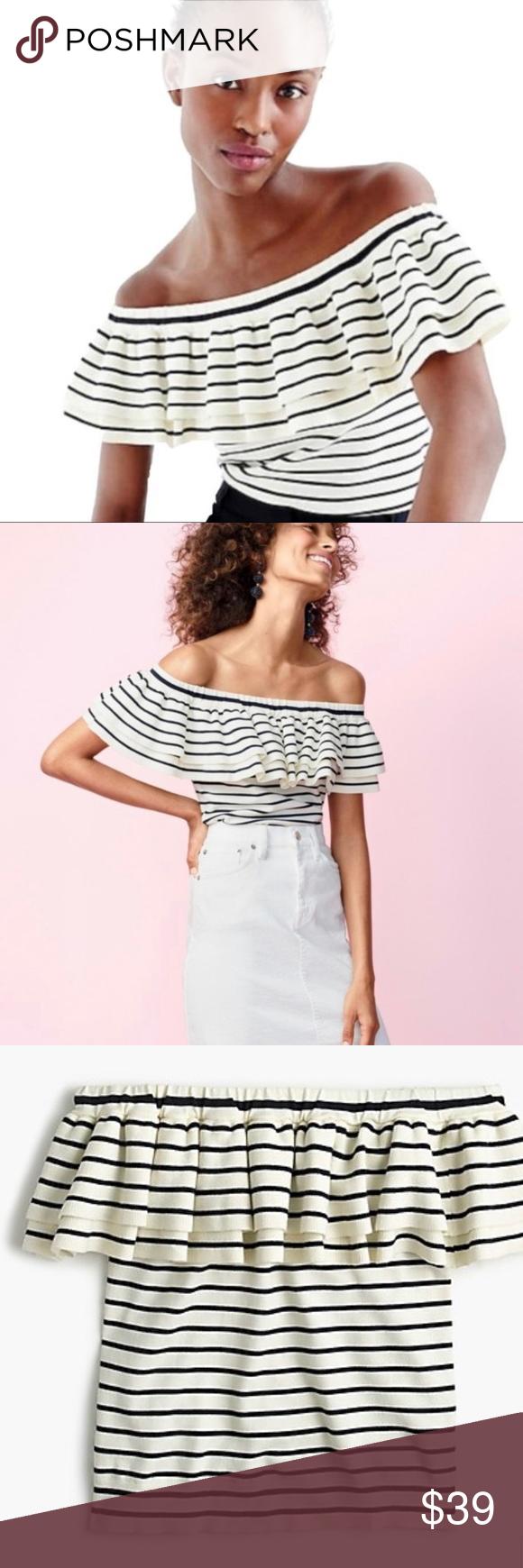 Women/'s Ruffle Trim Shell Cream//Black Stripe Top by Who What Wear