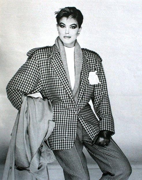 Renée Simonsen is wearing BASILE, 1985