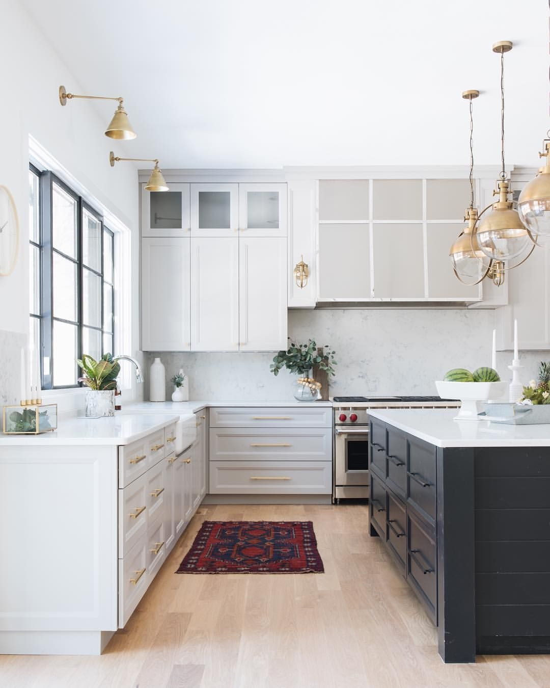 375 Likes 12 Comments Stoffer Photography Interiors Stofferphotographyinteriors On I Modern Kitchen Interiors Light Grey Kitchens Interior Design Kitchen