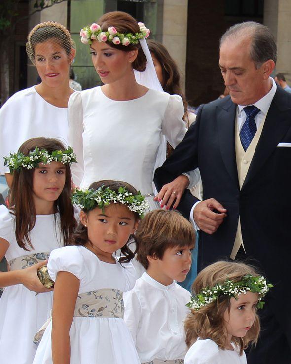 Novia y damitas   Children\'s dresses   Pinterest   Damas, Novios y Pajes