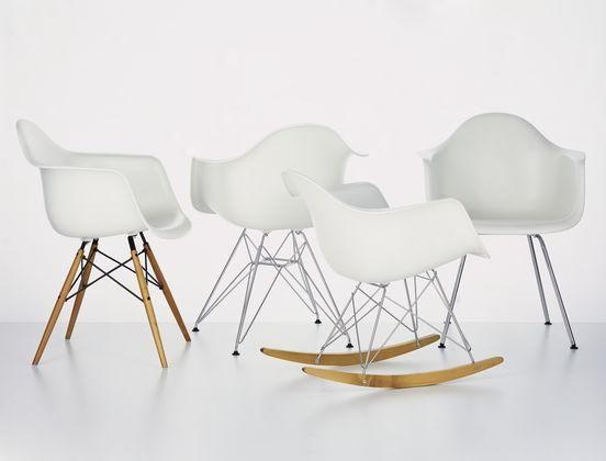 Sedia Dondolo Vitra Eames.Pin On 100 Ea Chairs