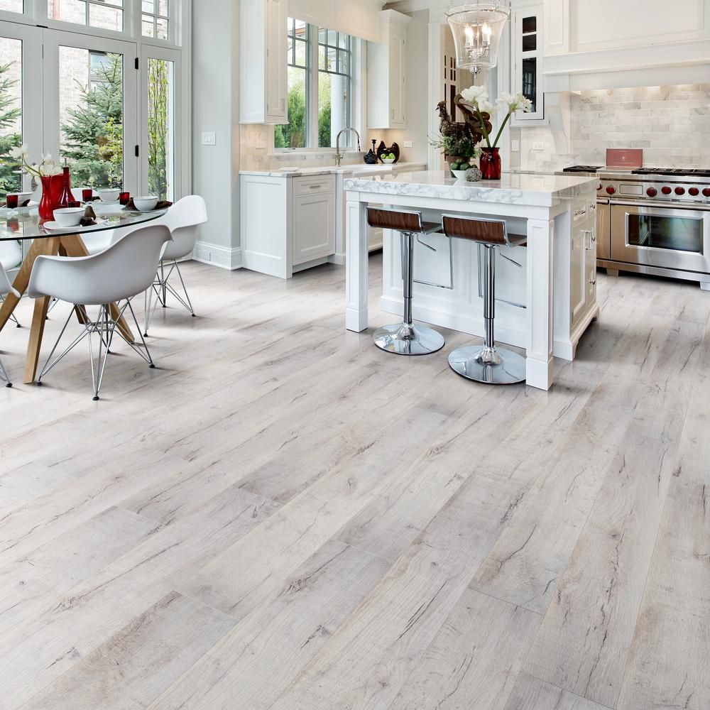 Home Decorators Collection Textured Lone Tree 12 Mm T X 7 48 In W X 47 72 In L Water Resistant Laminate Flooring 19 83 Sq Ft Case Hl1353 The Home Depot In 2020