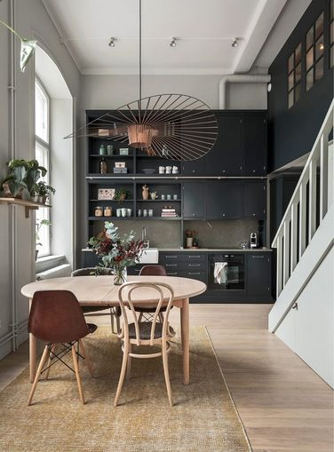 A Cozy Scandinavian Apartment with Stunning Dark Kitchen (Gravity