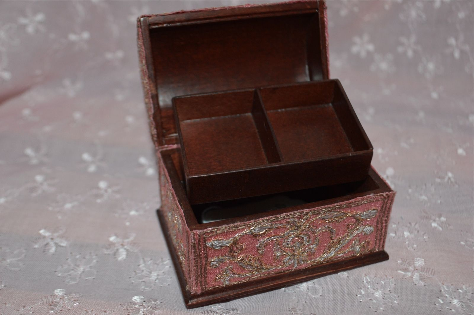 Doll House Bespaq Rare Wood & Cloth Dolls House Travel Trunk MUST SEE | eBay