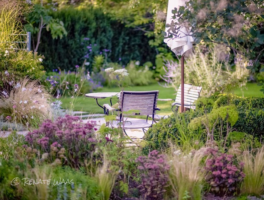 "Photo of Renate Waas Gartendesign på Instagram: ""Hagen vår i slutten av august – egenreklame …. # hage # hagearbeid # hageplanlegging # hagedesign # hagedesign # hagearkitektur …"""