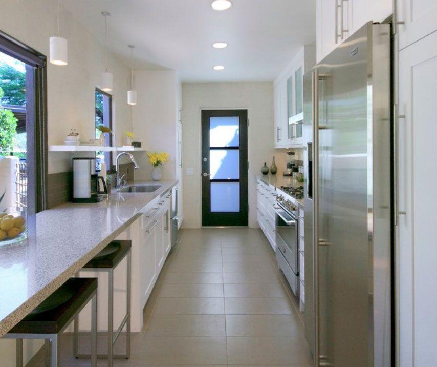 Decoraci n e ideas para mi hogar cocinas largas y - Casas estrechas y largas ...