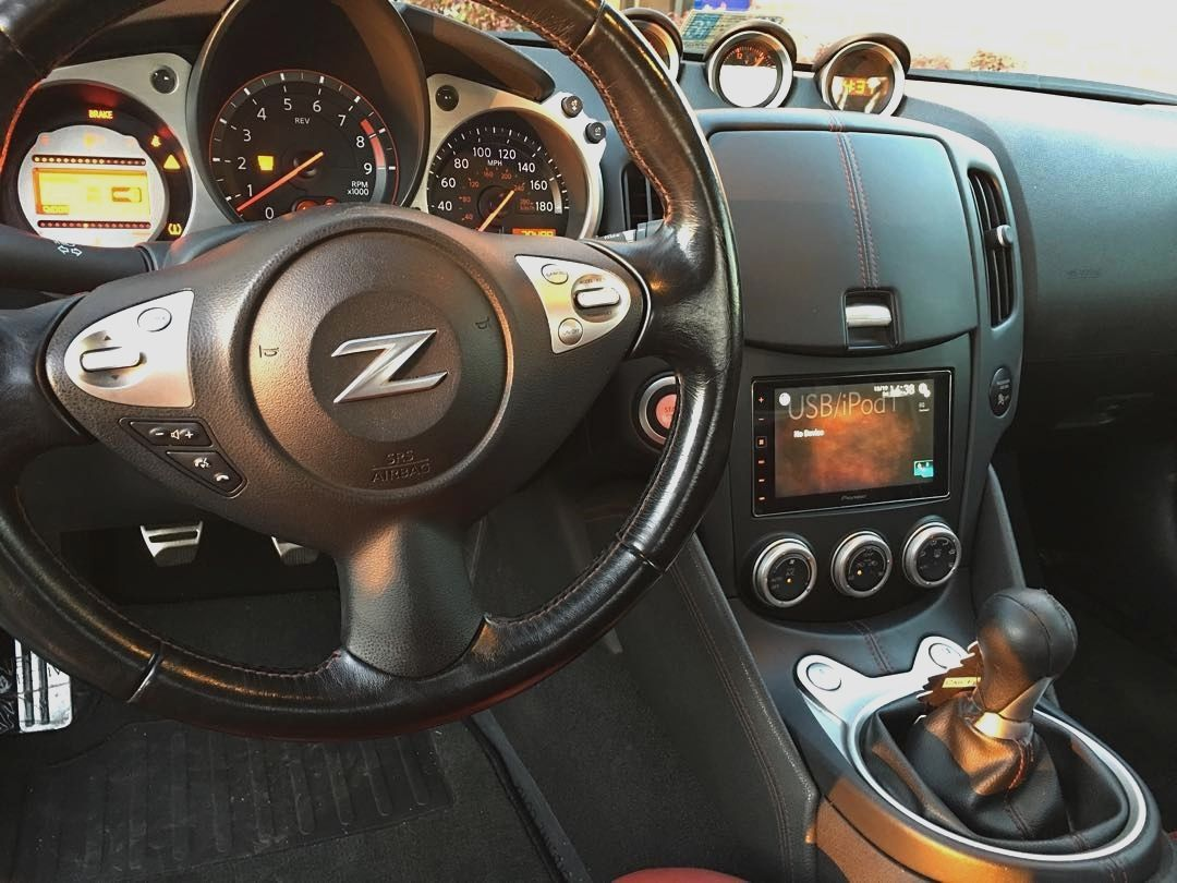 soundwavecustoms #nissan #370z #pioneer #appradio #apple #carplay