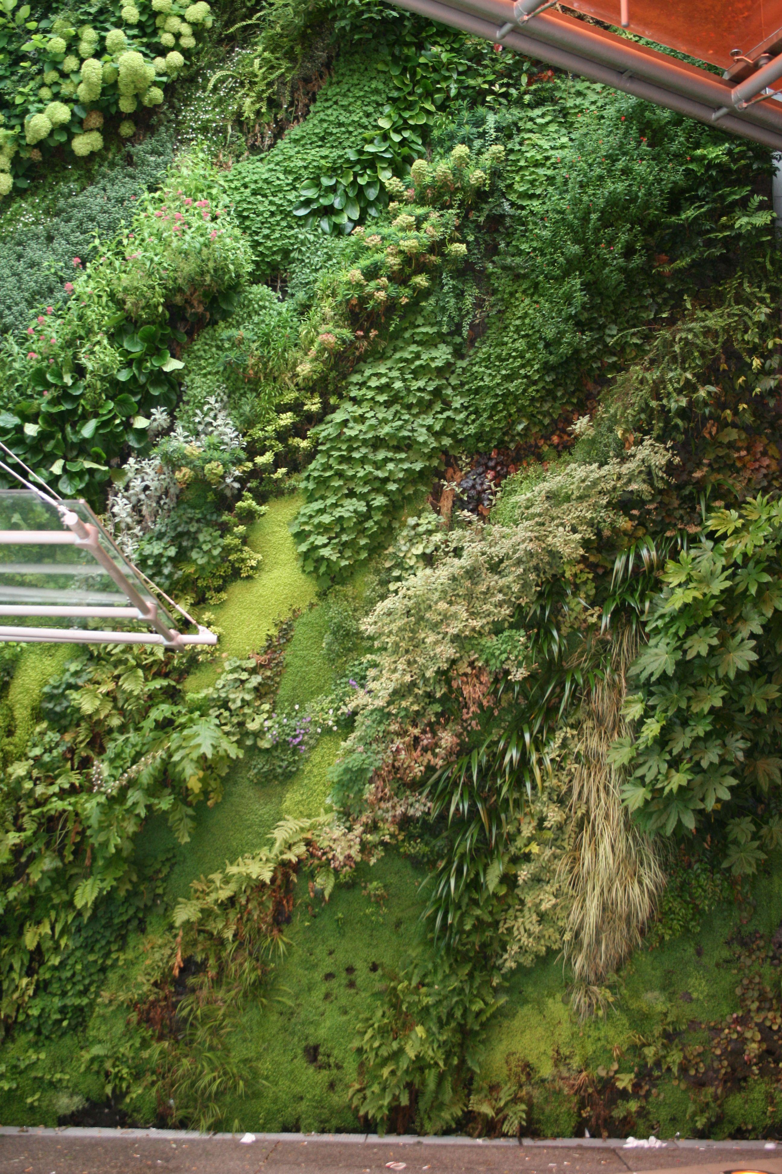 Jardines Colgantes En La Defense Paris Vertical Garden