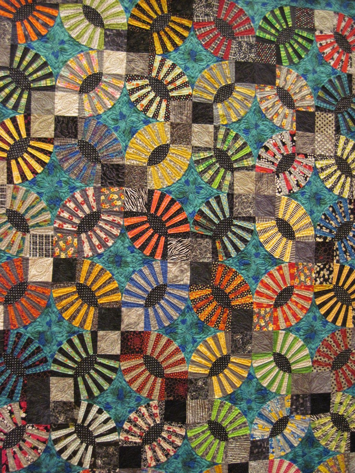 Scrappy Wedding Rings Quilt Omaha Quilt Guild Show History Of Quilting Quilts Quilt Guild