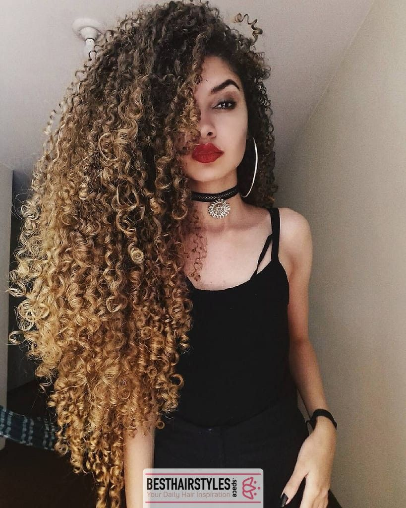30 Curly Hairstyles You Can Easily Do At Home Curly Curlygirl Curlyhairdontcare Curlyhairstyles Hair Hai Hair Styles Curly Hair Styles Long Hair Styles
