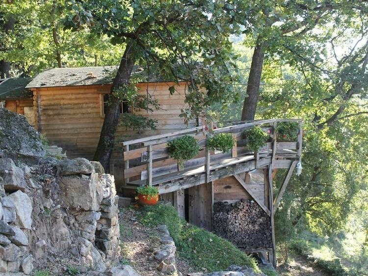 Dormire in una capanna a Saint-André-Lachamp, Ardèche, Francia #casasullalbero