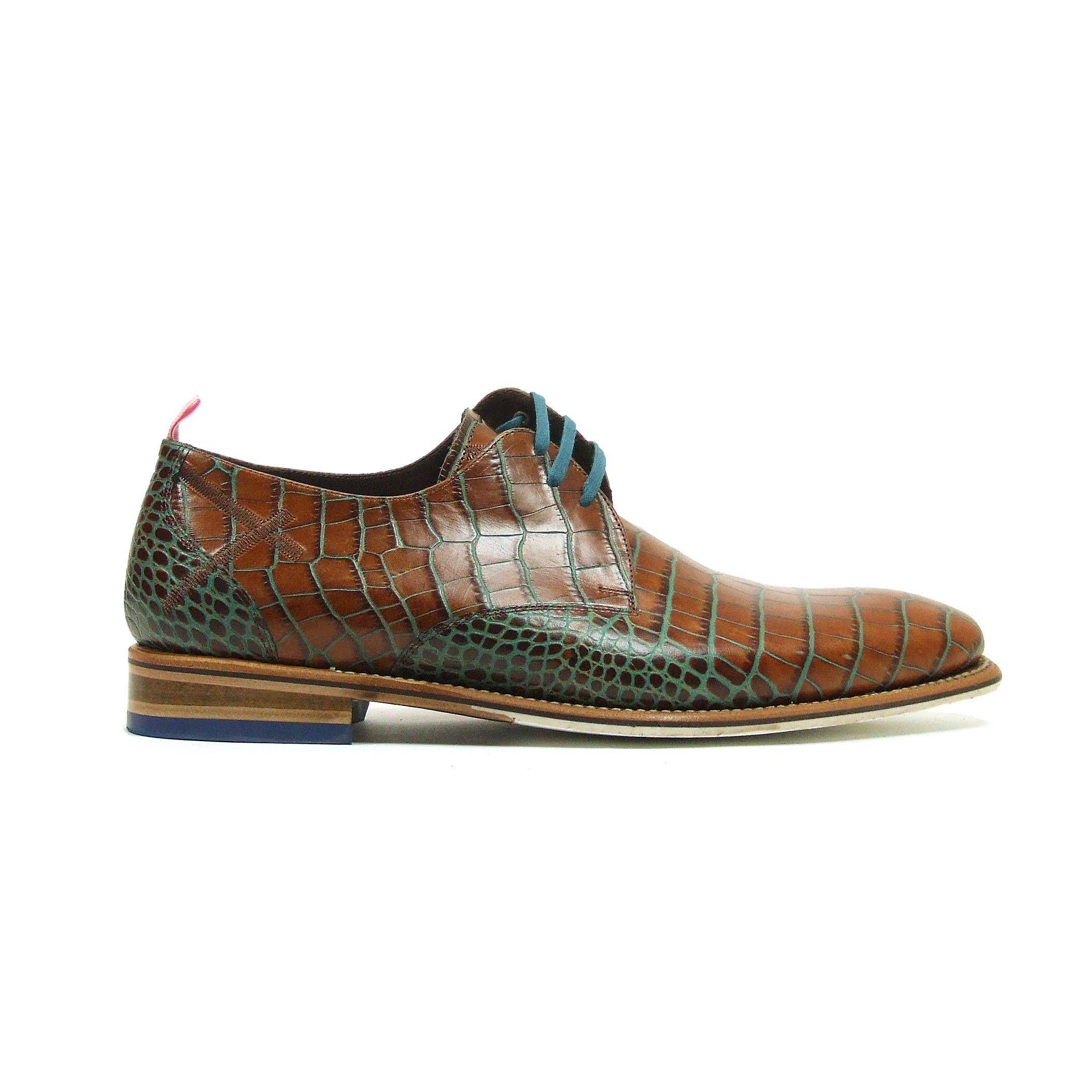 Lage nette heren schoenen van Floris Van Bommel, model 14285. Deze  veterschoenen zijn helemaal