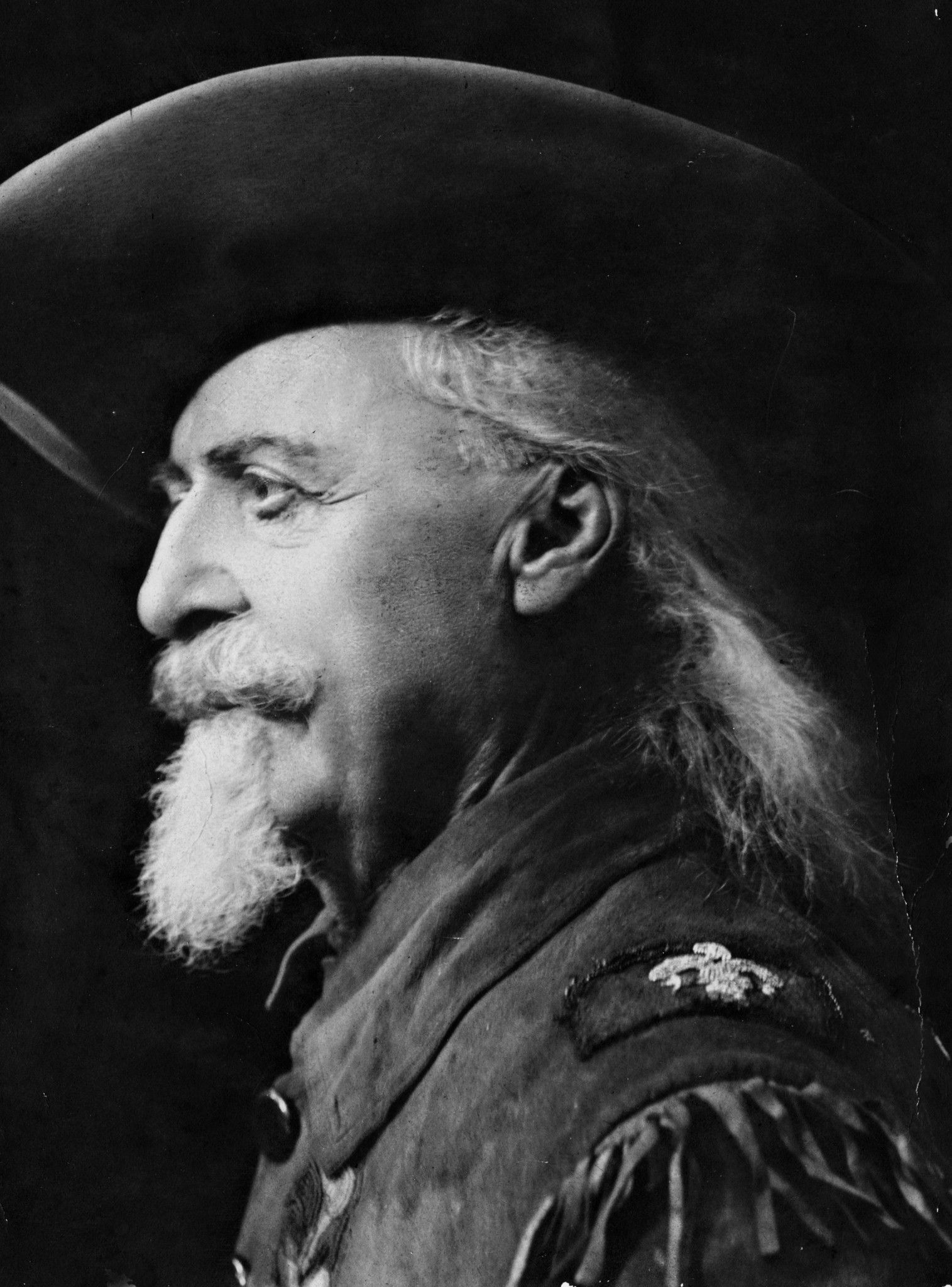 A Colt Frontier six-shooter revolver and grizzly bear claw necklace that once belonged to legendary Wild West figure Buffalo Bill Cody sold at auction in Dallas for $40,625 each, Heritage Auctions said on Monday.
