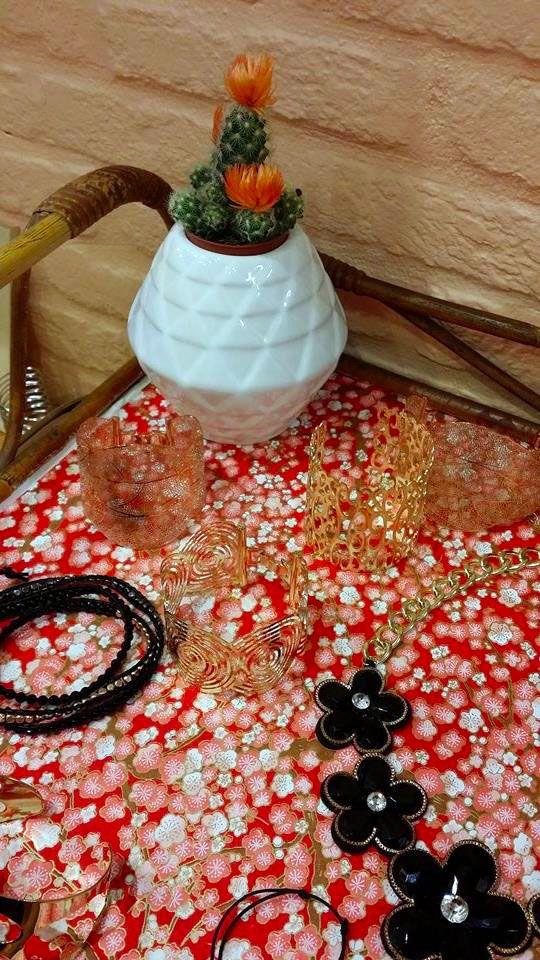 Des petits cactus viennent colorer nos boutiques #bazardefilles #interditauxhommes #ambiance #boutique