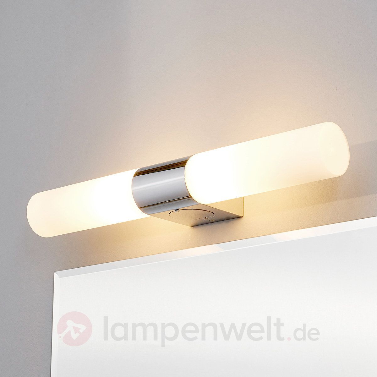 Ziva Spiegelleuchte Mit Steckdose Sicher Amp Amp Bequem Online Bestellen Bei Lampenwelt De Steckdosen Spiegel Lampen Und Leuchten