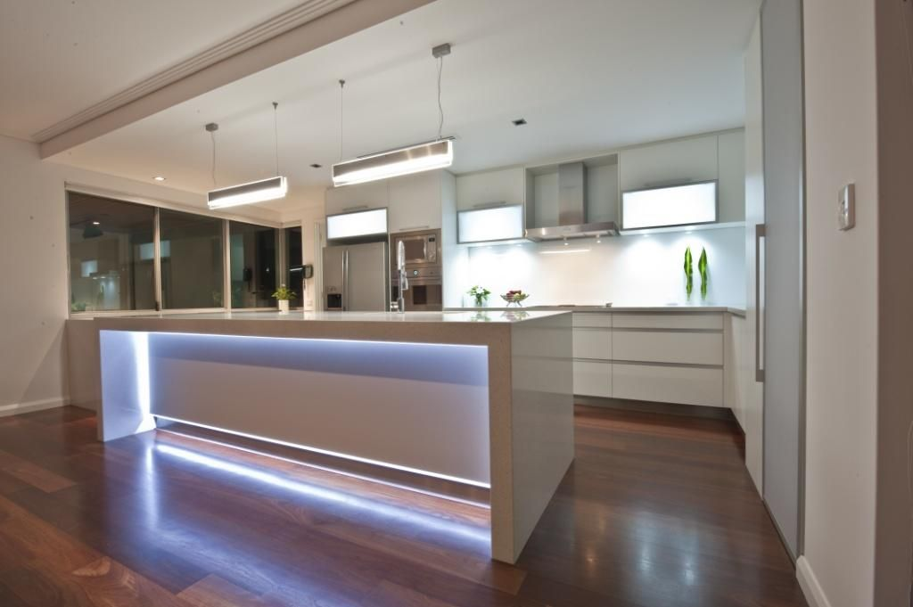led lights in island bench homes by