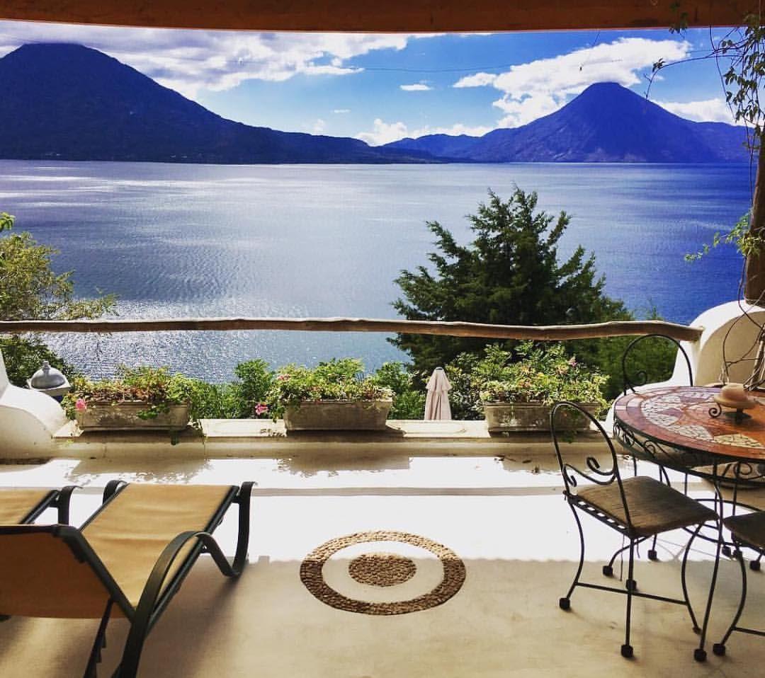 """1,123 curtidas, 11 comentários - @recebercomcharme no Instagram: """"Que paz as águas calmas de um lago transmitem!  Lago Atitlán, na Guatemala, via…"""""""