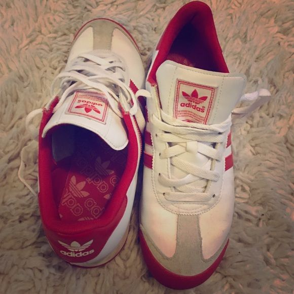 Adidas Samoa Red and white gently used sneaker (Size 7 in men's) Adidas  Shoes