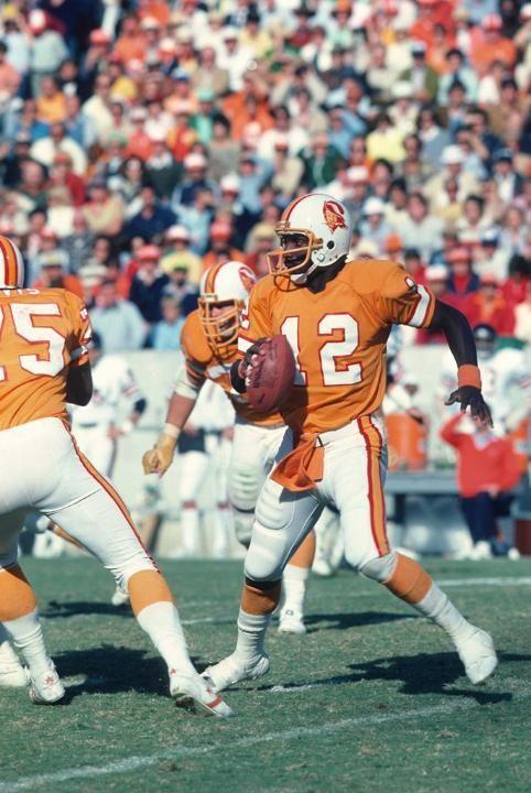Photos Bucs Vs Bears Through The Years Football Cheerleaders Nfl History Nfl Uniforms