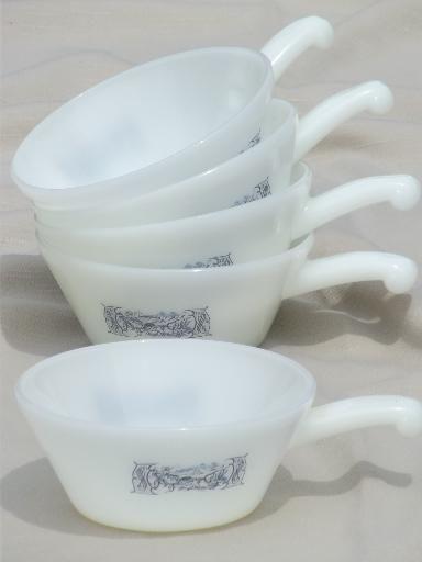 vintage Glasbake Currier & Ives stick handle onion soup bowls ...