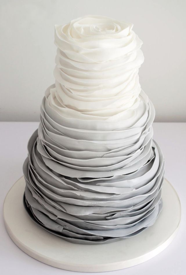How stunning is this ruffled wedding cake? #IDoIndex